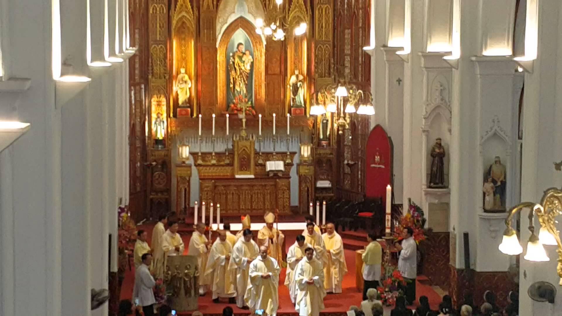 thánh lễ Phục sinh tại nhà thờ Lớn Hà Nội