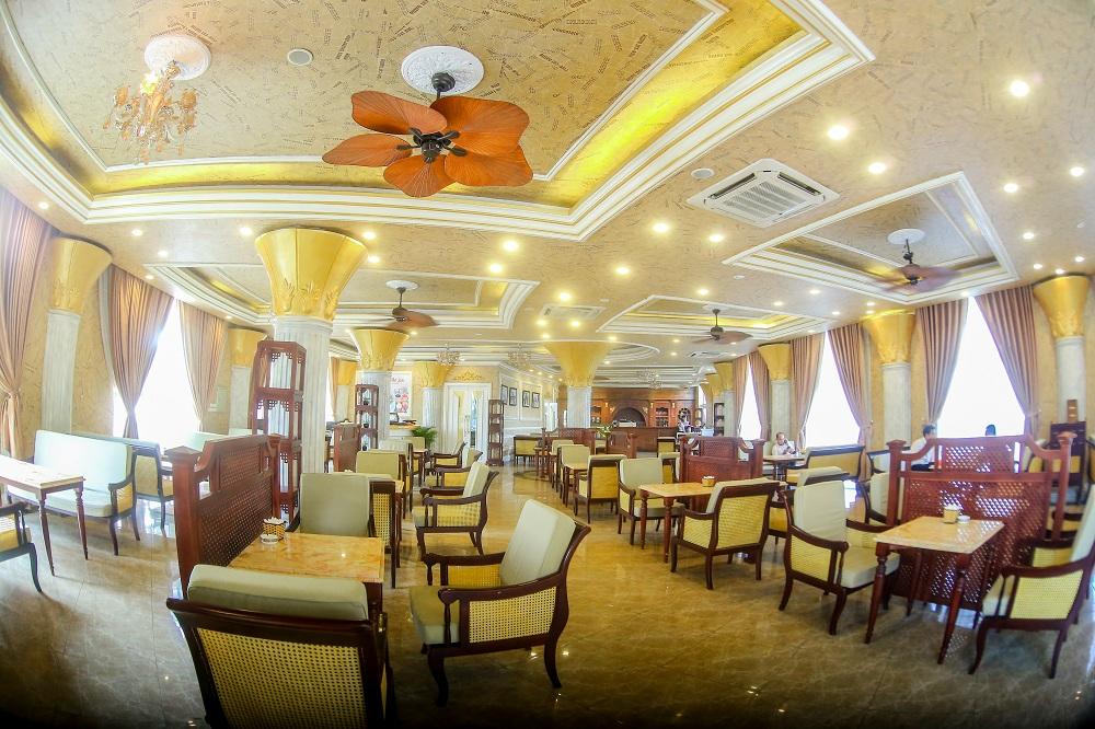 Nhà hàng Lake View 7