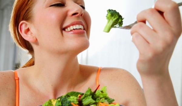 7 loại rau tốt nhất cho phụ nữ mới sinh