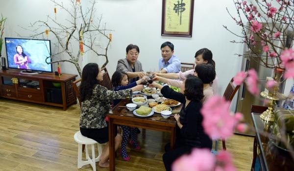 Bữa cơm gia đình chiều cuối năm