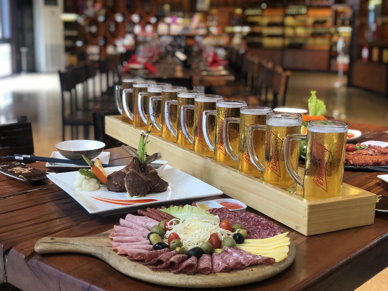 Bia Mét - Nét độc đáo chỉ có tại Vườn Bia Hà Nội